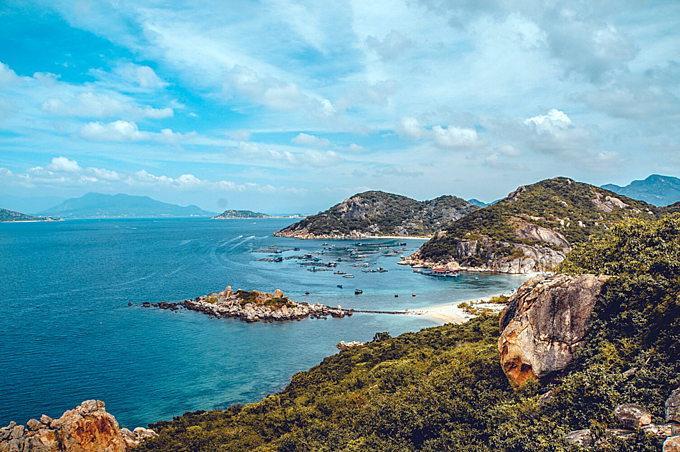 Binh Ba Island in Cam Ranh, Khanh Hoa. Photo by Shutterstock/Pham Hoang Long