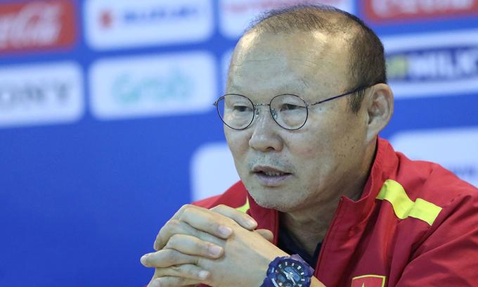 Vietnam football coach says under pressure, but not a quitter