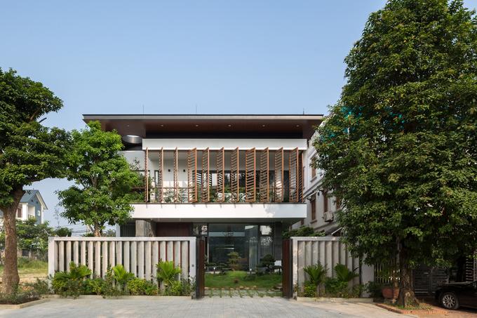 Ngôi nhà Việt Trì hứng nắng xuyên suốt 40 mét