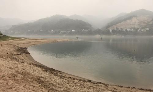 Eight schoolboys drown in northern Vietnam river
