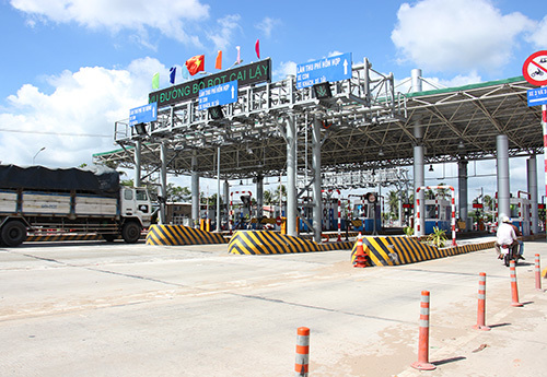 Reopening of controversial tollgate in Vietnam delayed