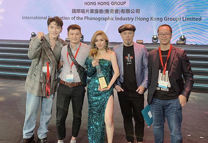 Vietnamese singer wins rookie award at Hong Kong music fest