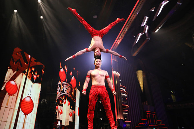 Giang Quoc Nghiep and Giang Quoc Co perform their gravity defying act. Photo by VnExpress/Hai An