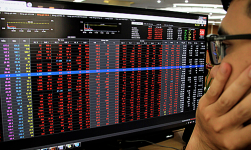 Stock markets end in the red as blue chips sink