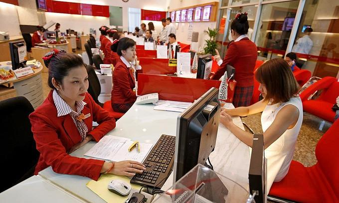 Vietnam banks go on enormous hiring drive