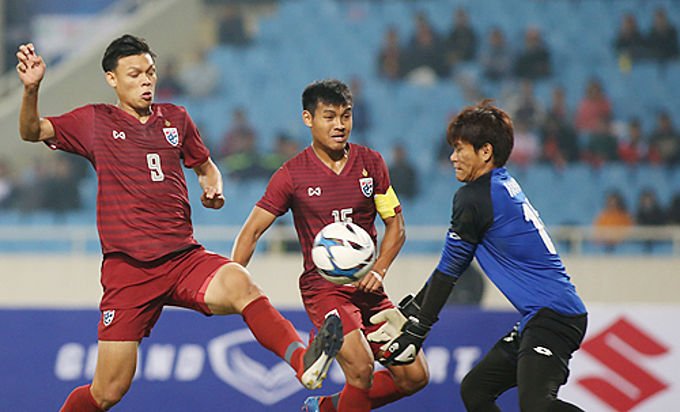 Supachai Jaided (L) of Thailand is expected to be a challenge for Vietnam in the coming match Tuesday night. Photo by VnExpress/Lam Thoa