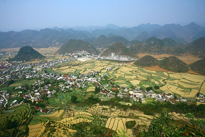 7. HARI- The peculiar beauty of Ha Giang's bosom mountain pair (unedited)