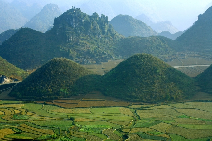 7. HARI- The peculiar beauty of Ha Giang's bosom mountain pair (unedited) - 1