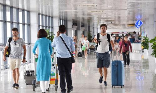 Hanoi airport slips in ranking, well behind regional peers