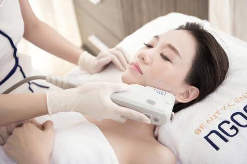 Top beauty brand gives Vietnamese women an uplifting message