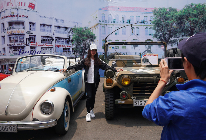 Blast from the past: Vintage cars make Saigonese nostalgic - 2