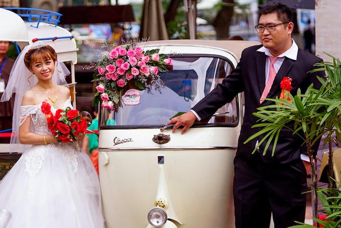 Blast from the past: Vintage cars make Saigonese nostalgic - 5