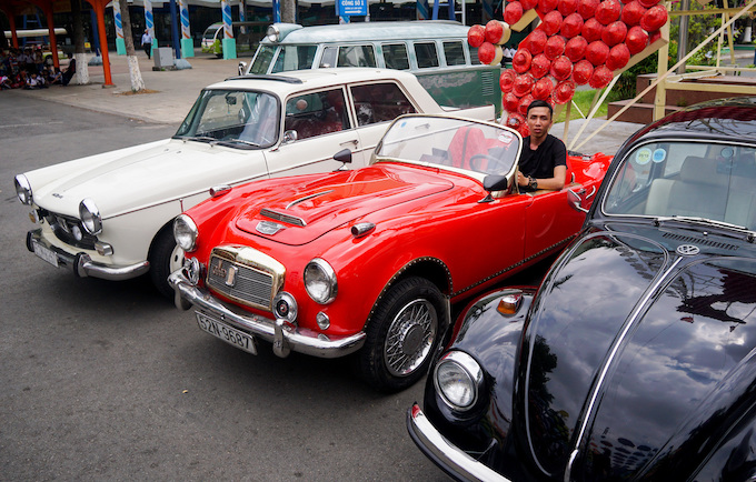 Blast from the past: Vintage cars make Saigonese nostalgic - 6