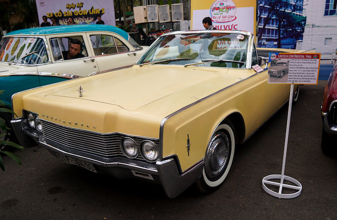Blast from the past: Vintage cars make Saigonese nostalgic - 7