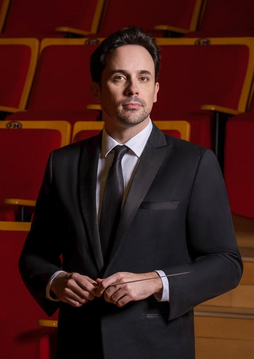Olivier Ochanine won the 2015 Antal Doráti International Conducting Competition, and has conducted numerous orchestras across the world. He was recently music director of the Philippine Philharmonic Orchestra.