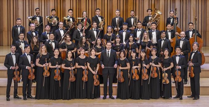 The Sun Symphony Orchestra, Vietnams first private orchestra, aims to promote Vietnamese talents, bring the finest international musicians to Vietnam and popularize scholarly music.
