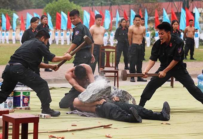 Special response team of police put on astounding show of strength