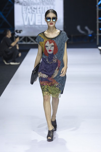 South Korean designer charms Vietnam with colors, waves and swirls - 2