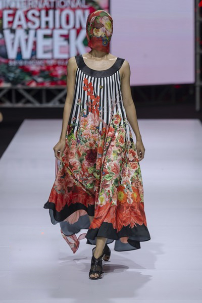 South Korean designer charms Vietnam with colors, waves and swirls - 5