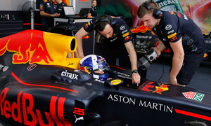 David Coulthard to drive on Hanoi streets to mark Vietnam F1 debut