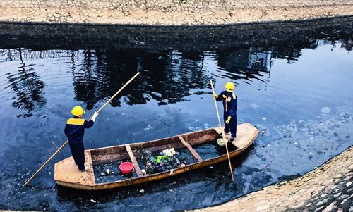 Japanese offer technology to clean polluted Hanoi river