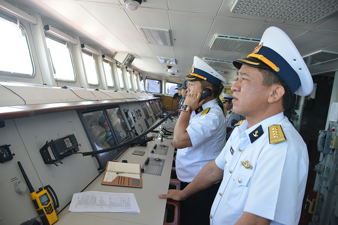 Vietnamese frigates sail to China for naval review