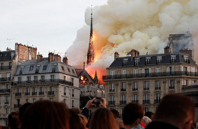 Notre Dame Cathedral on fire: pictures - 5