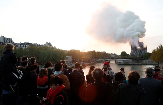 Notre Dame Cathedral on fire: pictures - 6