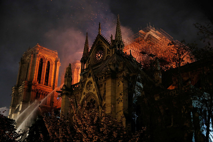 Notre Dame Cathedral on fire: pictures - 7