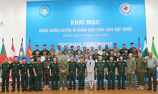 Vietnam hosts training course for UN logistics officers