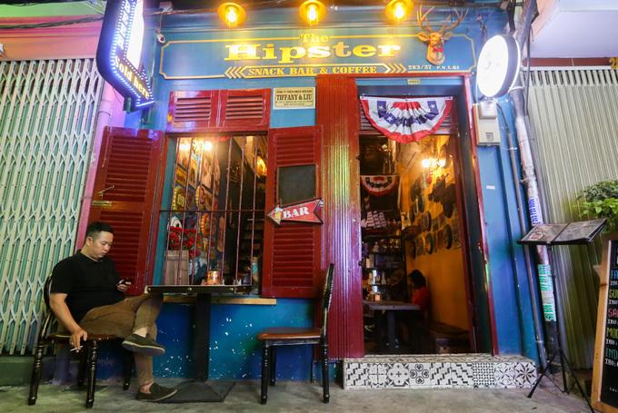 120-year-old Saigon building hosts a Yankee theme