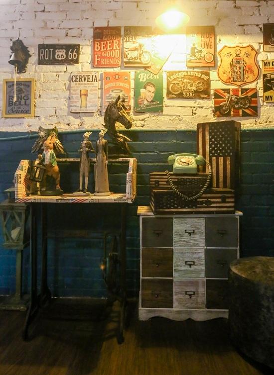 120-year-old Saigon building hosts a Yankee theme - 4