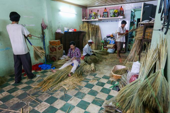 A few Saigon families continue to make a clean sweep - 2