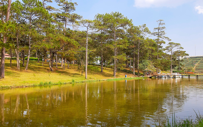 In Da Lat, a lake sighs over Shakespearean tragedies - 1