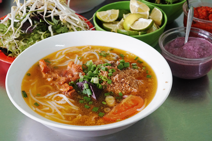 Five famous food destinations in Da Lat - 1