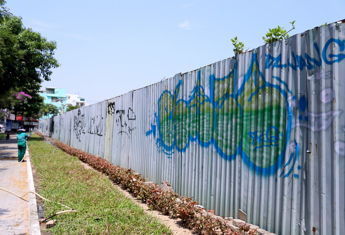 Graffiti deface Da Nang streets, annoy authorities - 6