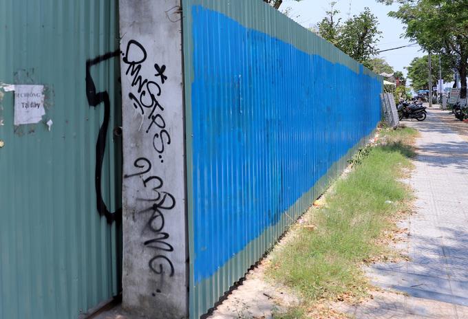 Graffiti deface Da Nang streets, annoy authorities - 8