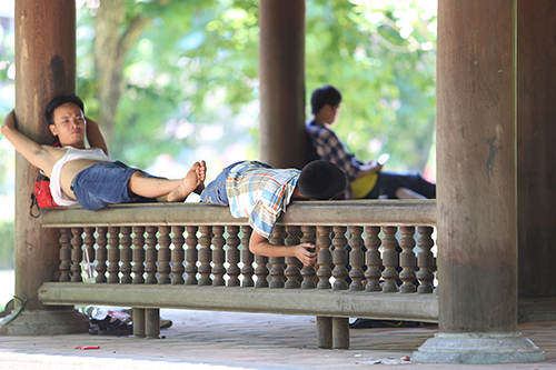 Hanoi heat rises to 100-year high, weather office reports