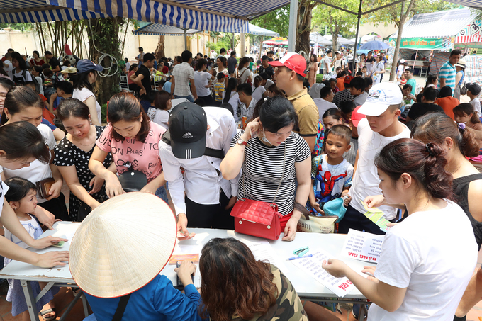 Hanoi a huge holiday draw for Vietnamese tourists - 7