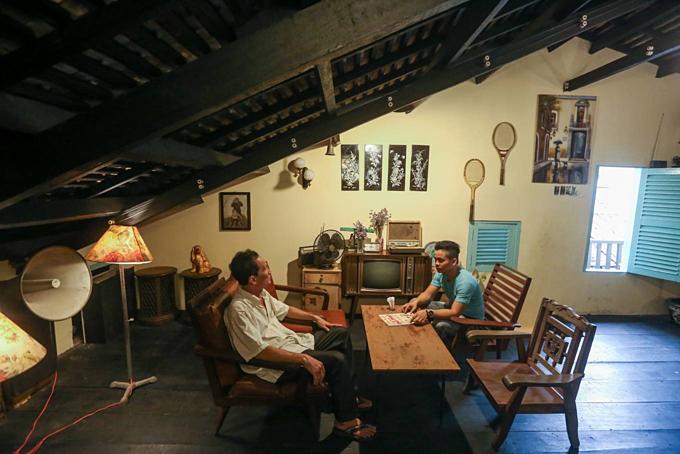A weapons vault vaults into a café in Saigon - 10