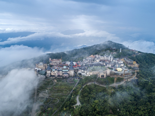 Ba Na Hills has been in operation for the last 10 years, contributing greatly to promoting the tourism image of Da Nang City.