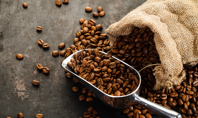 Asia Coffee-Vietnam domestic prices edge lower, Indonesian premiums widen