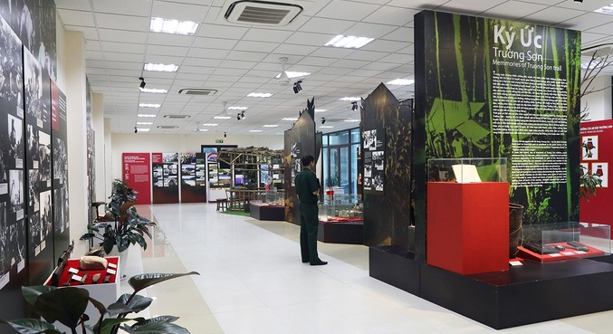 Hanoi exhibition walks legendary Vietnam War trail
