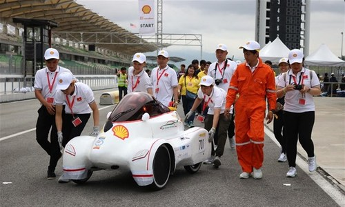 Vietnamese students win ticket to world finals of energy-efficient car race