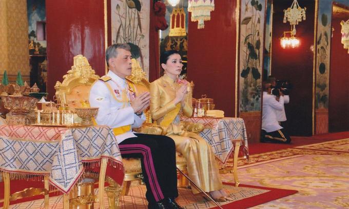 Thailand to crown its newlywed king in elaborate ceremonies