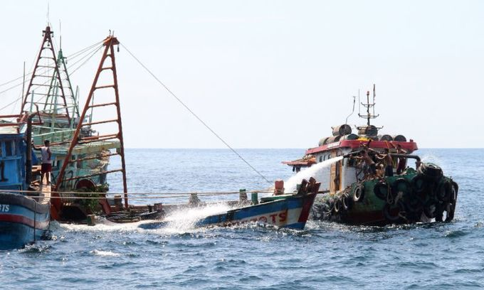 Indonesia to sink scores of boats from Vietnam and others to deter illegal fishing