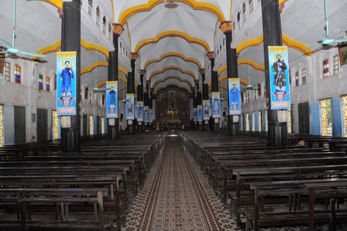 Inside Bui Chu Cathedral in Nam Dinh Province. Photo by VnExpress/Nguyen Van Hoc