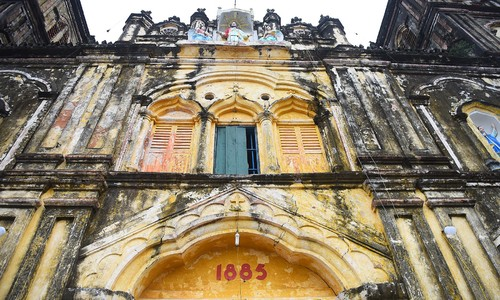 Parishioners endorse plan to dismantle, rebuild 135-year-old church