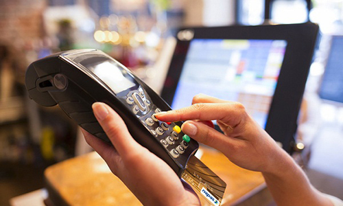 HCMC schools, hospitals to accept cashless payment