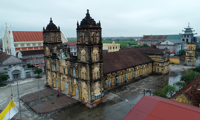 Plan to demolish Vietnam's 135-year-old cathedral put on hold